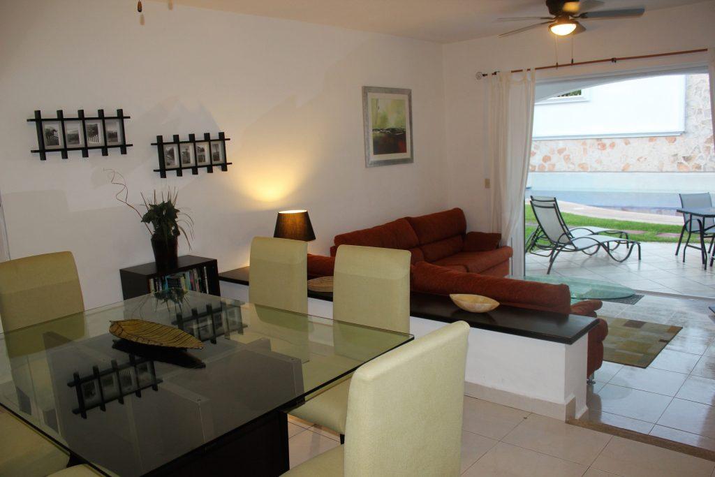 Mayamar Lounge