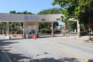 Playacar entrance